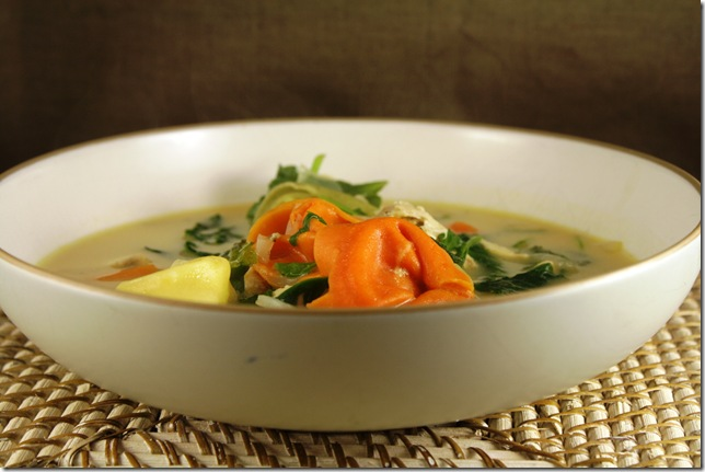 Creamy Greeny Chicken Tortellini Soup2